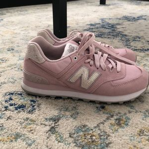 New Balance 574 light pink sneakers